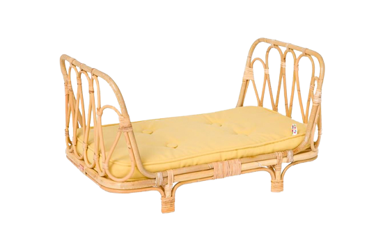 Childrens_rattan_doll_bed