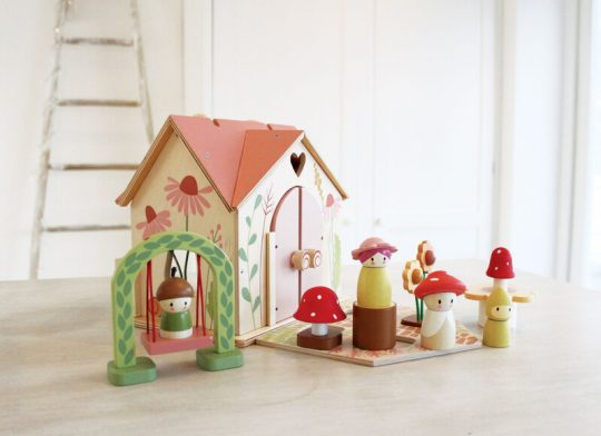 children's wooden doll house