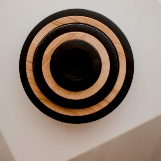 Q045-Contrast_stacking_bowls
